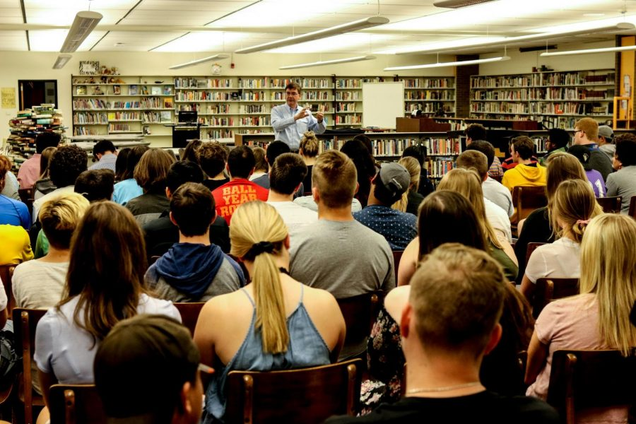 Congressman Rothfus meets with NASH students