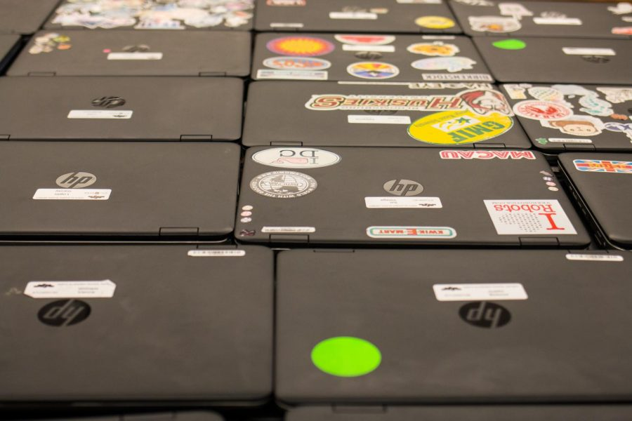 Nearly+700+student+laptops+were+collected+during+1st+period+in+order+for+Technology+Services+to+conduct+battery+tests+in+response+to+an+HP+recall+late+yesterday.