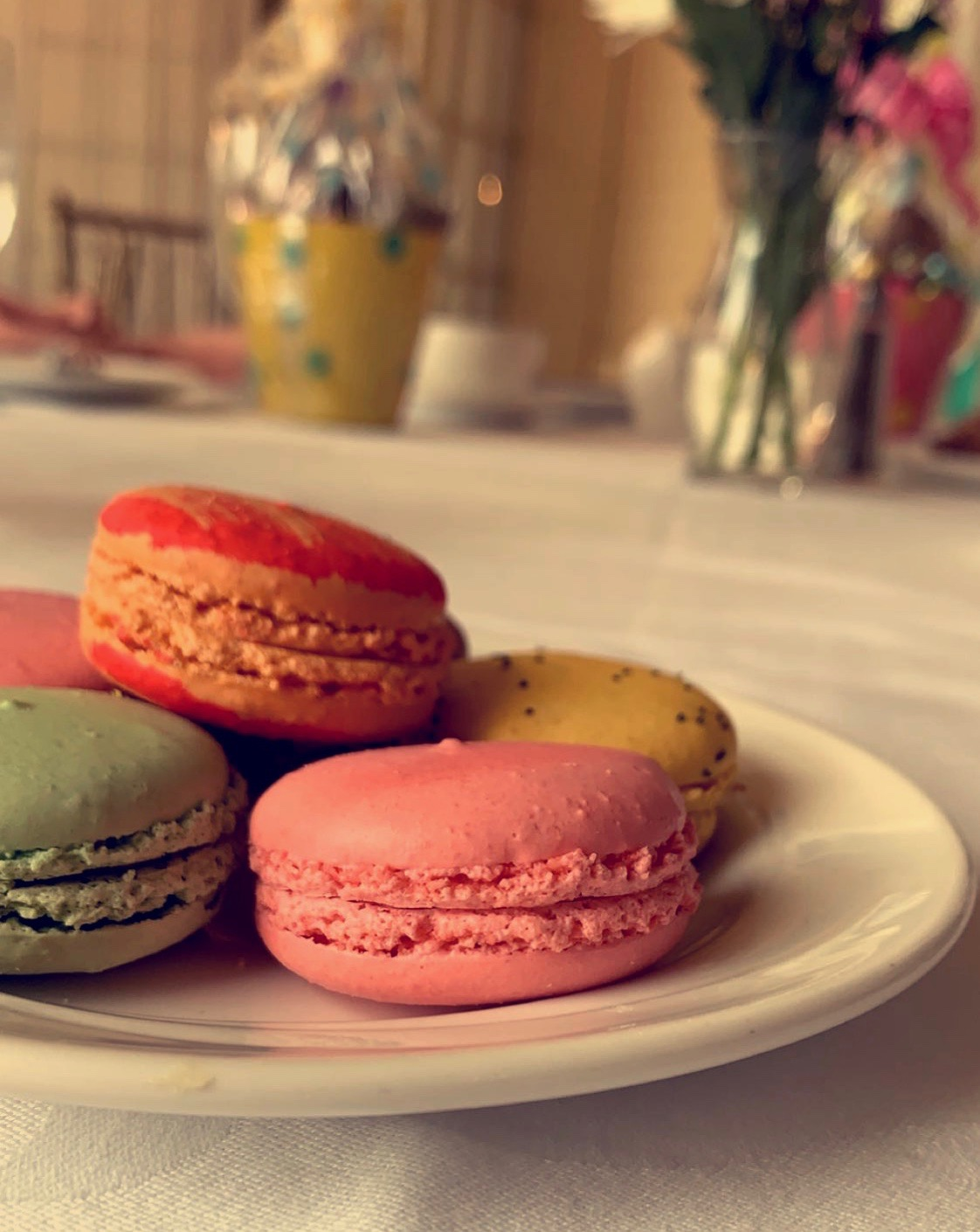 %E2%80%9CI+was+having+brunch+with+my+family+and+was+immediately+drawn+to+those+macarons.+All+the+different+bright+colors+and+the+way+they+were+positioned+on+the+plate+made+it+the+perfect+opportunity+for+a+photo.%E2%80%9D