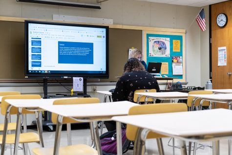 With practically an entire classroom online, Mrs. Rhinehart has only one student in person during her second period class on cohort 2 days.