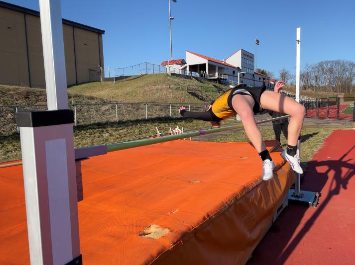 Sophomore high jumper Rachael Johns attempts 4' 6''