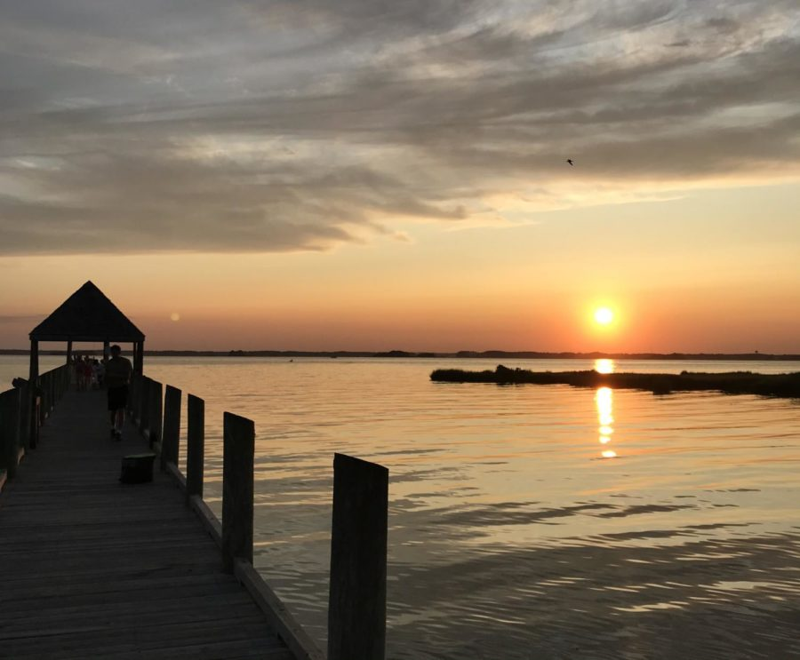 Beautiful+sunsets+can+be+seen+daily+at+local+piers+in+Presque+Isle+Park.+