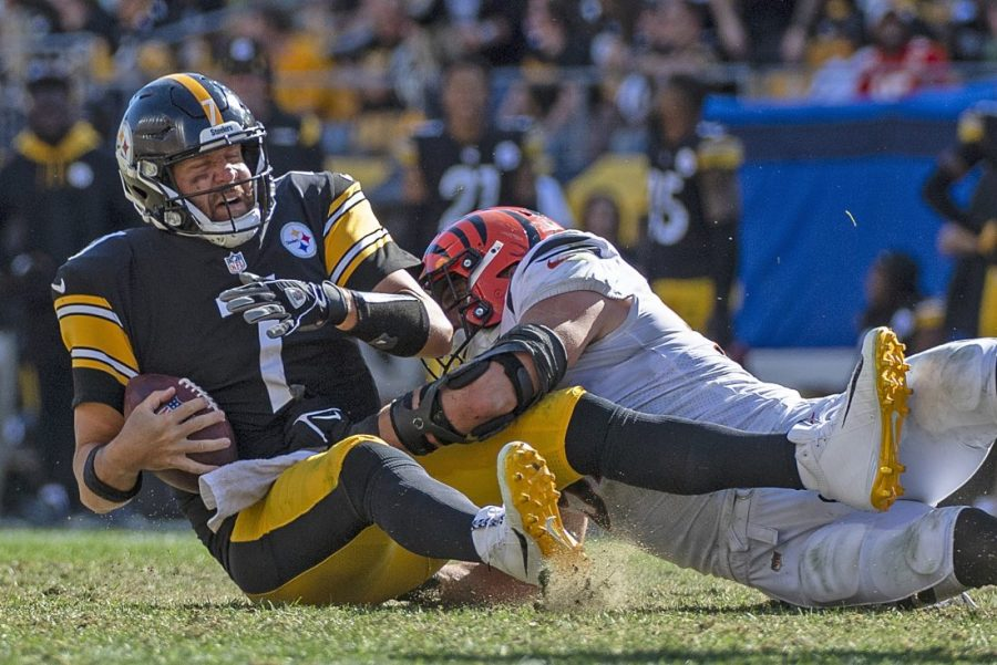 Veteran+Steelers+quarterback+Ben+Roethlisberger+has+a+poor+start+to+the+season%2C+which+has+fans+asking+if+it+will+be+his+last.